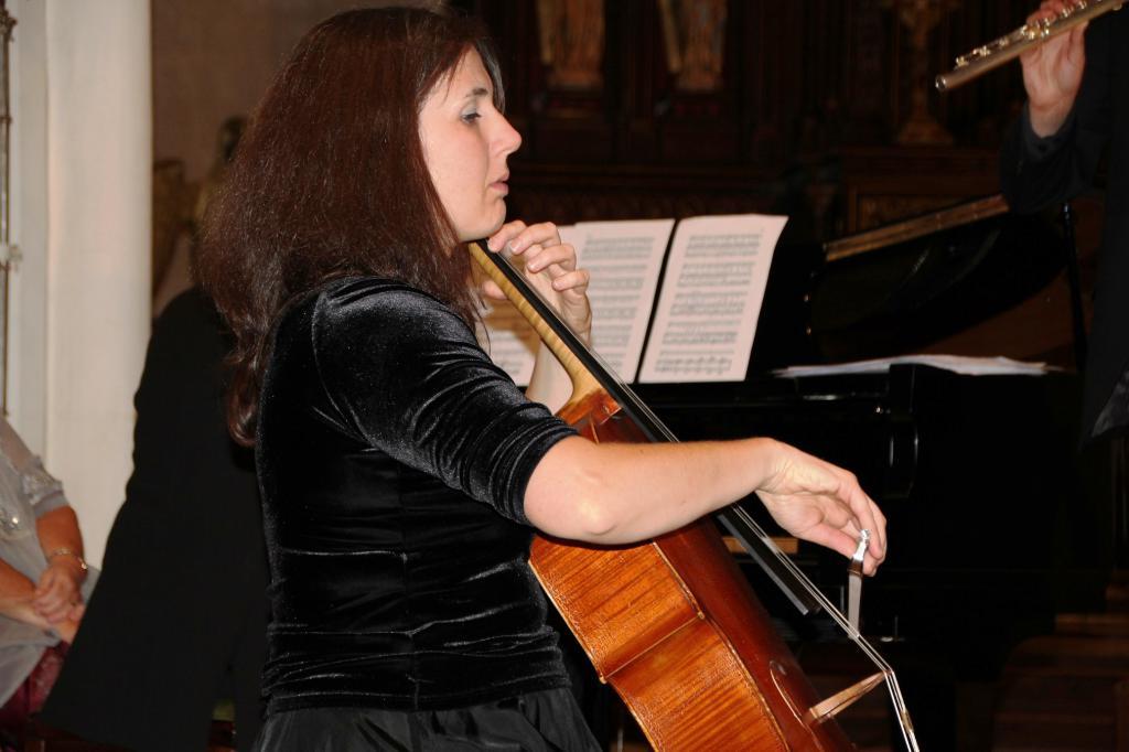 Adeline Rognant (violoncelle)